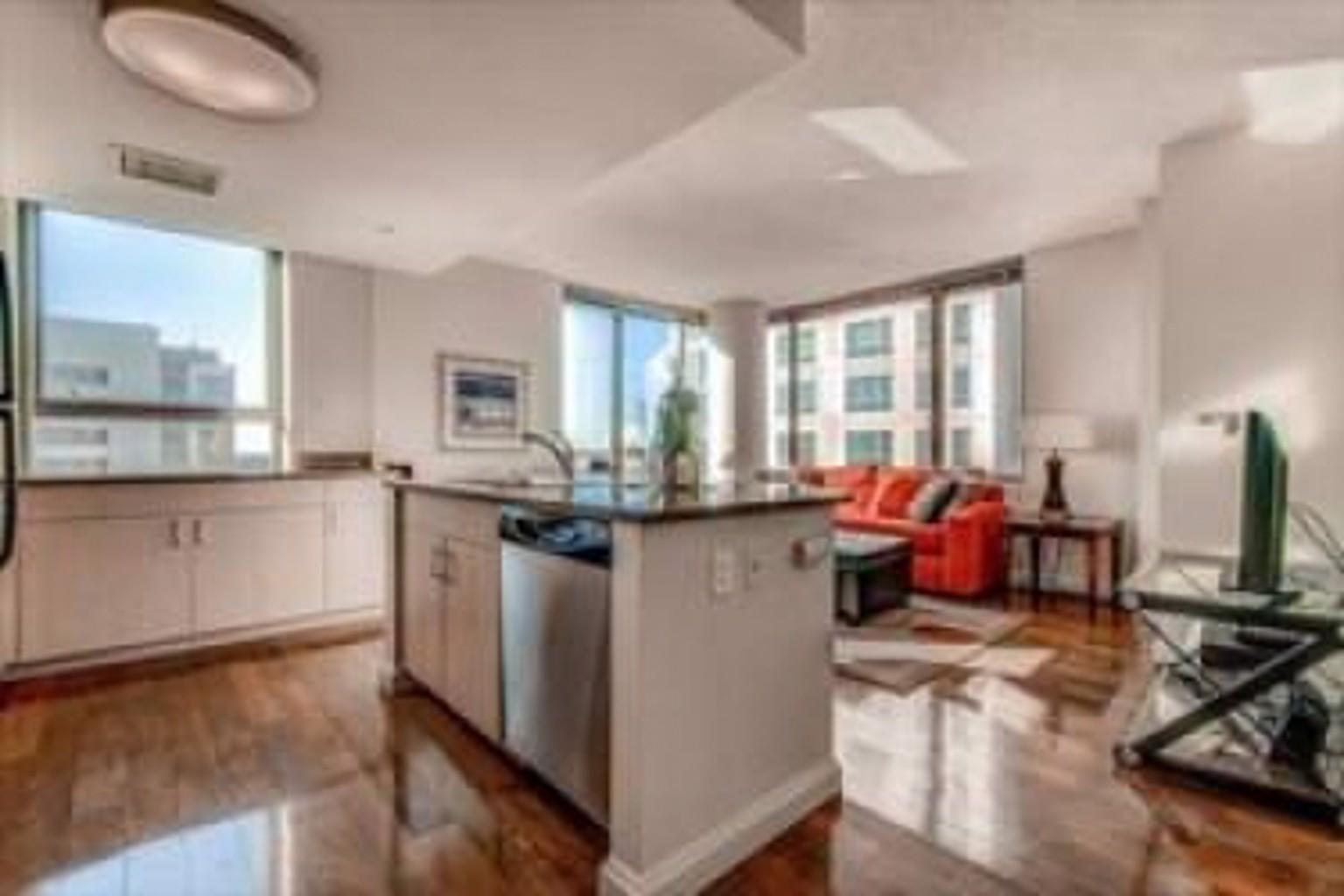 660 Washington Apartements