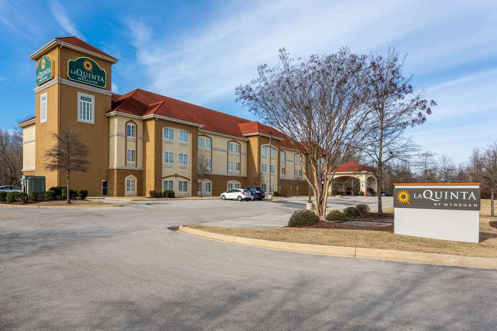 La Quinta Inn & Suites by Wyndham Huntsville Airport Madison