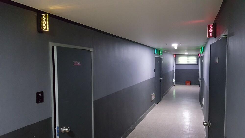 Gallery image of Gwangan Business Motel