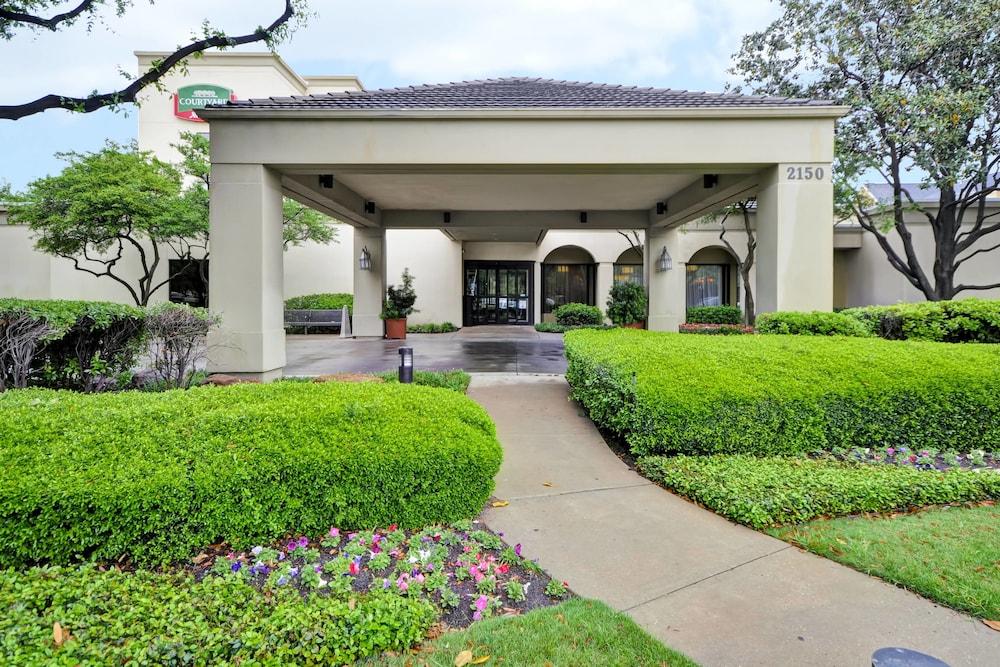 Courtyard Dallas Medical Market Center