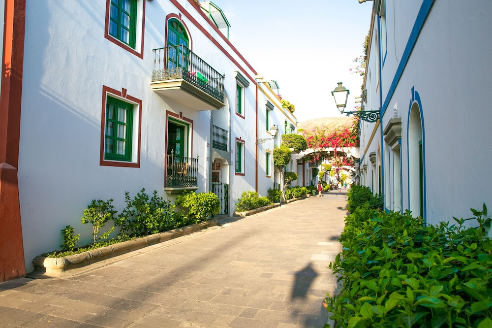 Gallery image of Apartamentos Puerto de Mogán THe Home Collection