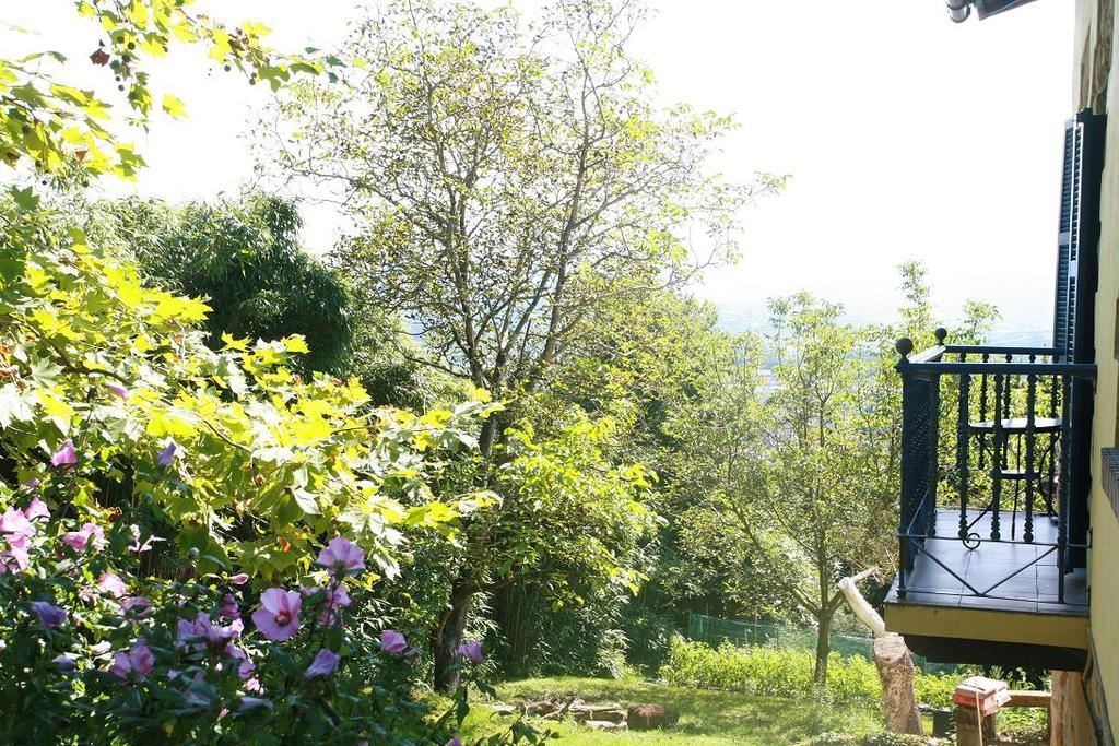 House With 6 Bedrooms in Donostia With Wonderful Mountain View Enclosed Garden and Wifi
