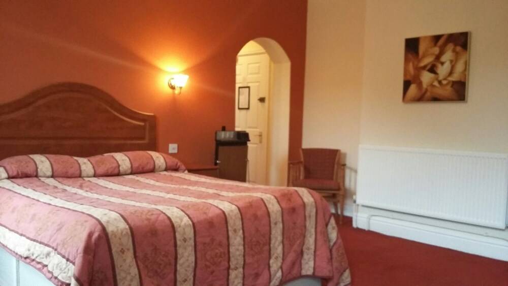 Gallery image of Borough Arms Hotel