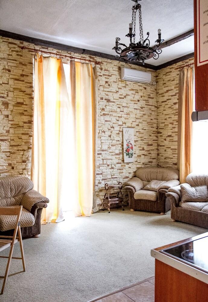 Apartment in Pushkinska str