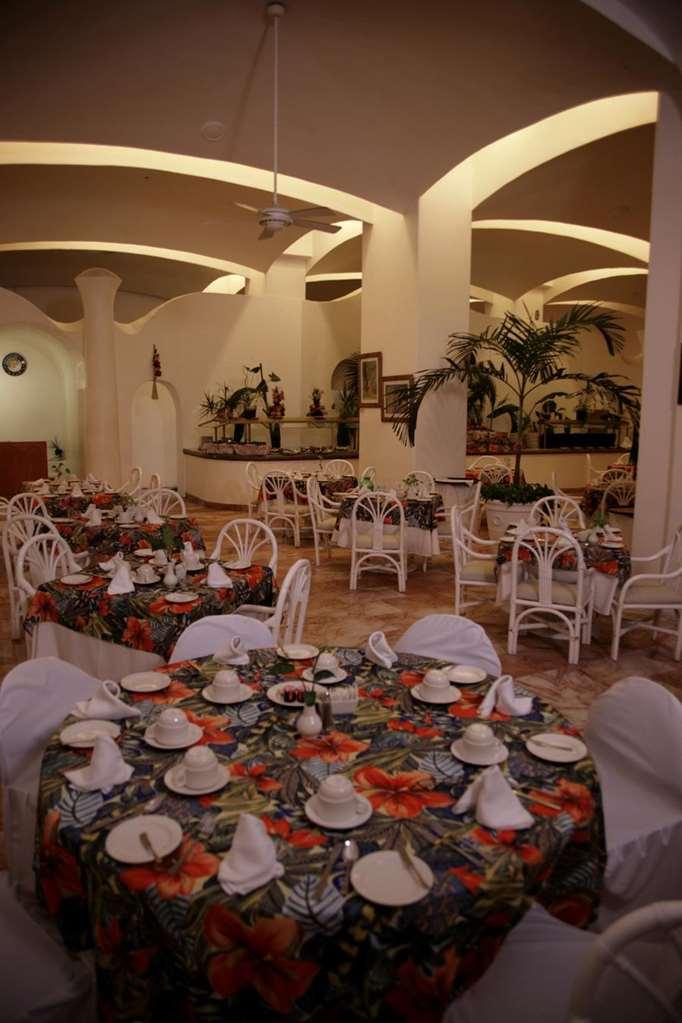 Gallery image of Las Hadas by Brisas