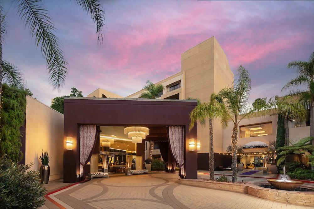 Avenue Of The Arts Costa Mesa A Tribute Portfolio Hotel