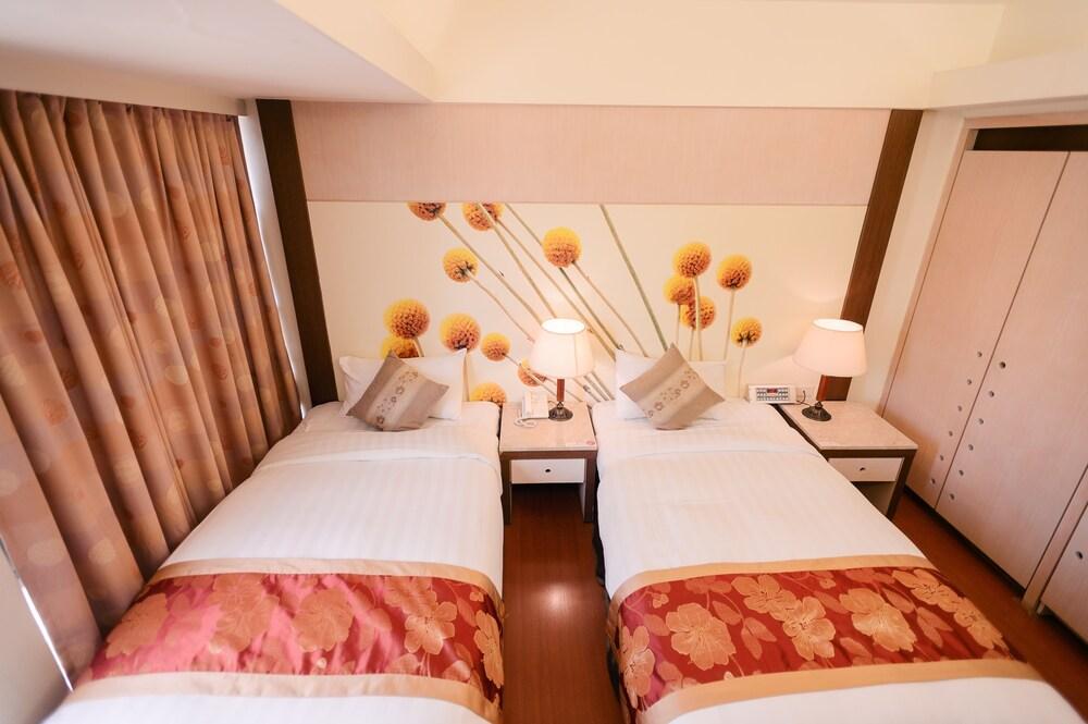Gallery image of Waugh Den Hotel