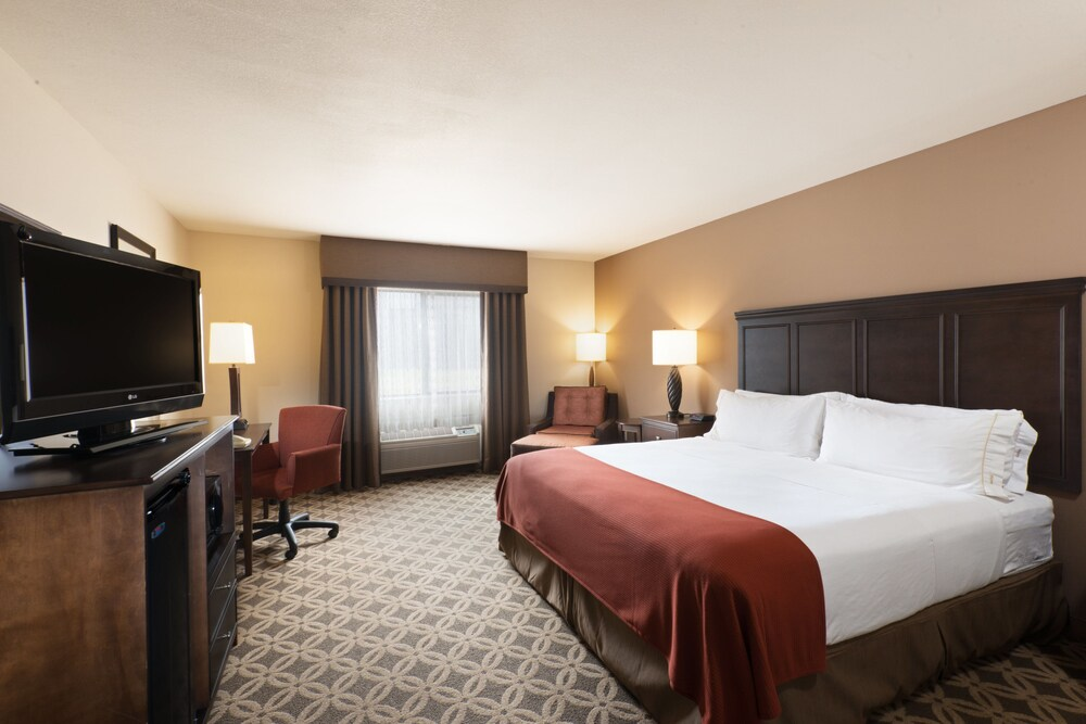 Gallery image of Holiday Inn Express Show Low