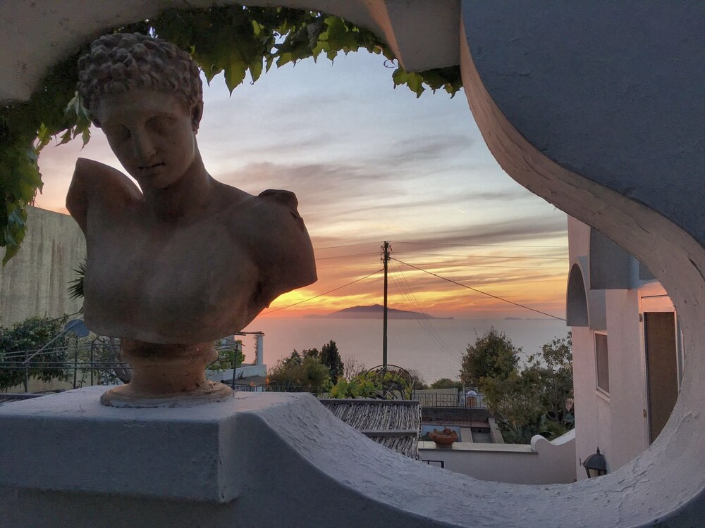 Capri Myhouse 3
