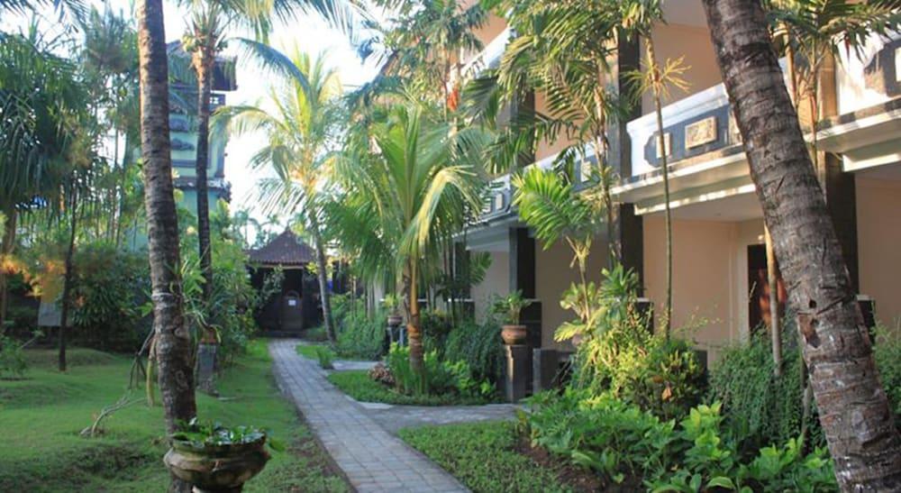 Gallery image of Bakung Beach Resort
