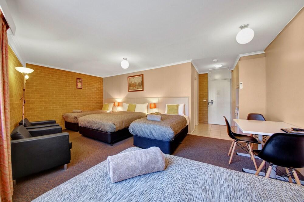 Gallery image of Central Deborah Motel