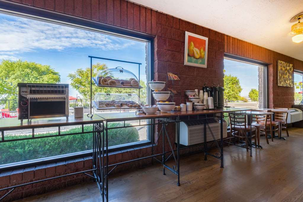 Gallery image of Ramada by Wyndham Albuquerque Airport