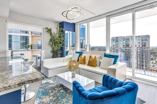 Electric Picturesque Midtown Grand Crisp Penthouse