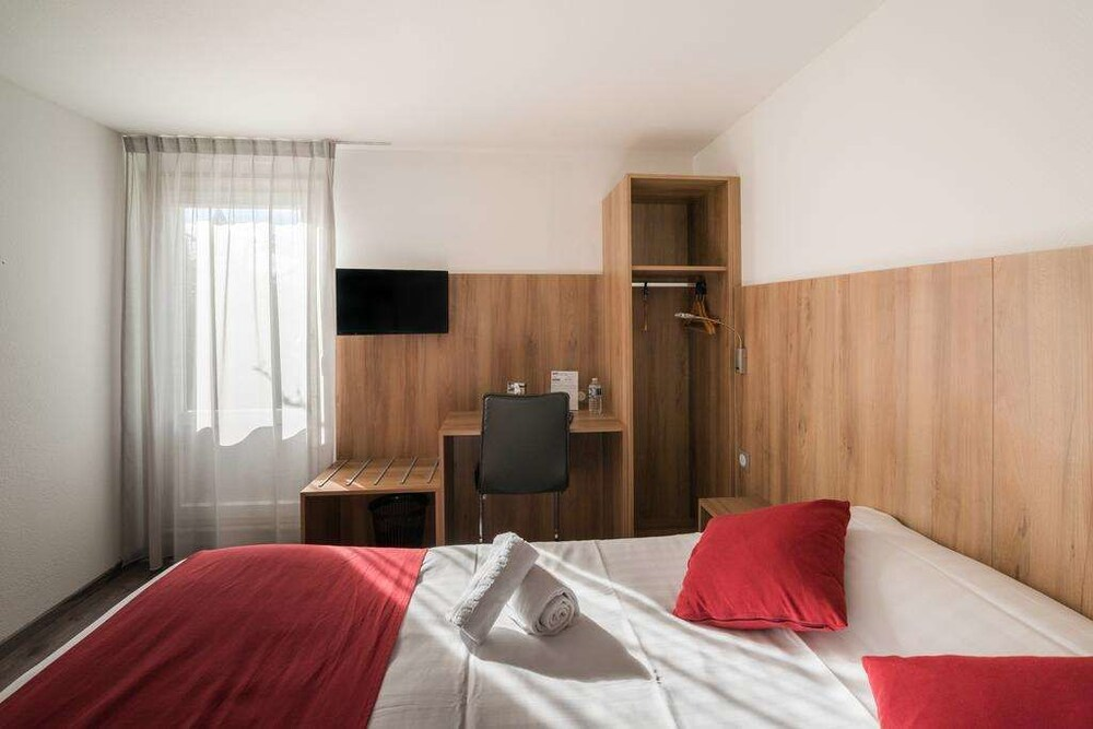 Gallery image of Brit Hotel Plaisance A9 A61