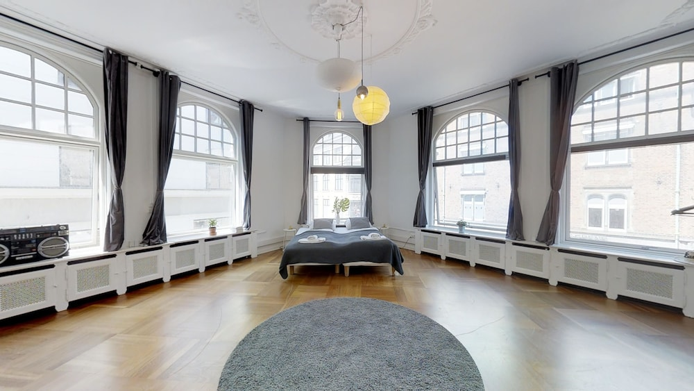240 sqm2 hotel apartment in CPH center