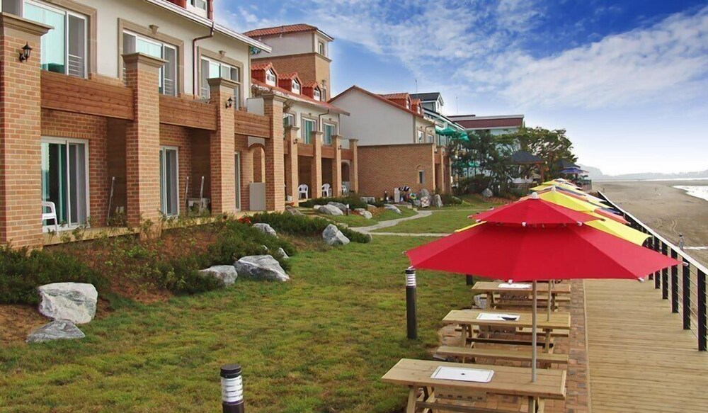 Gallery image of Taean Golden Beach Pension