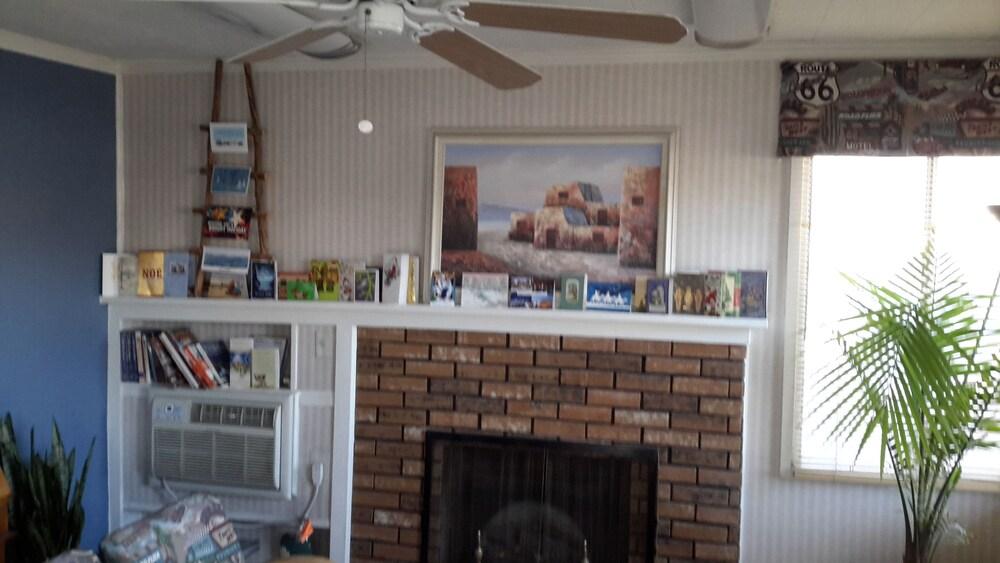 Gallery image of Monterey Non Smokers Motel