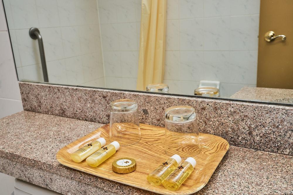 Gallery image of Flushing Hotel
