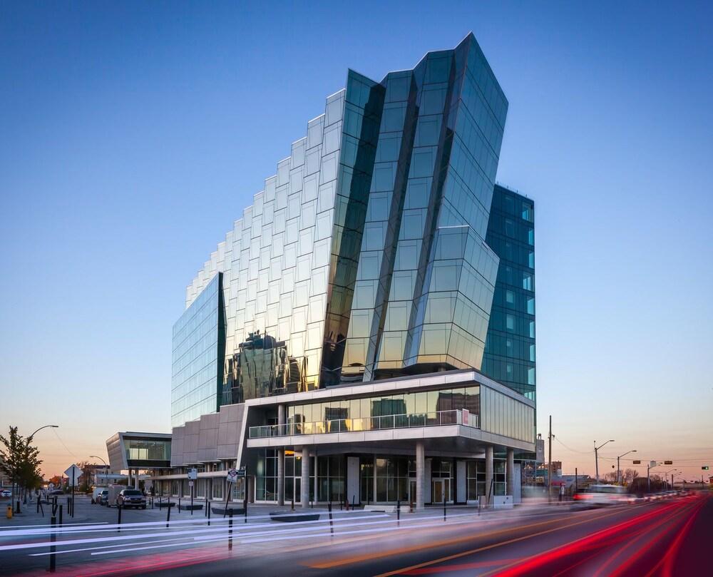 DoubleTree by Hilton Edmonton Downtown