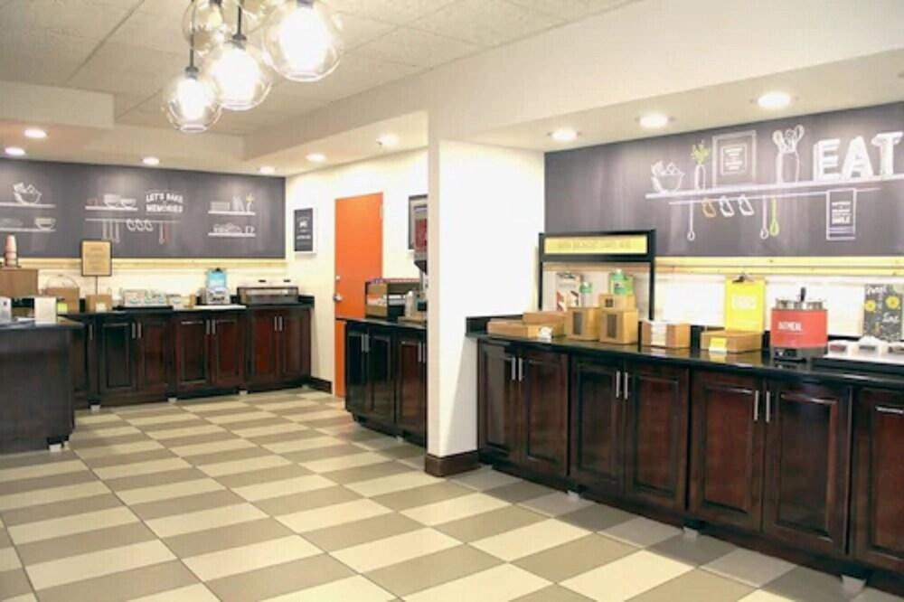 Gallery image of Hampton Inn Danville
