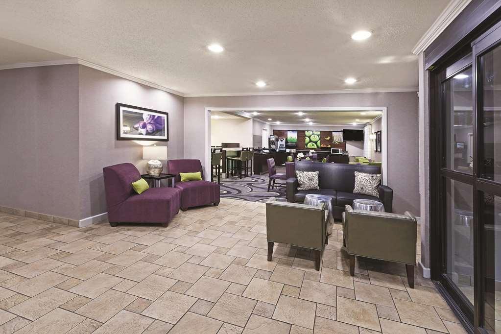 Gallery image of La Quinta Inn & Suites by Wyndham N Little Rock McCain Mall