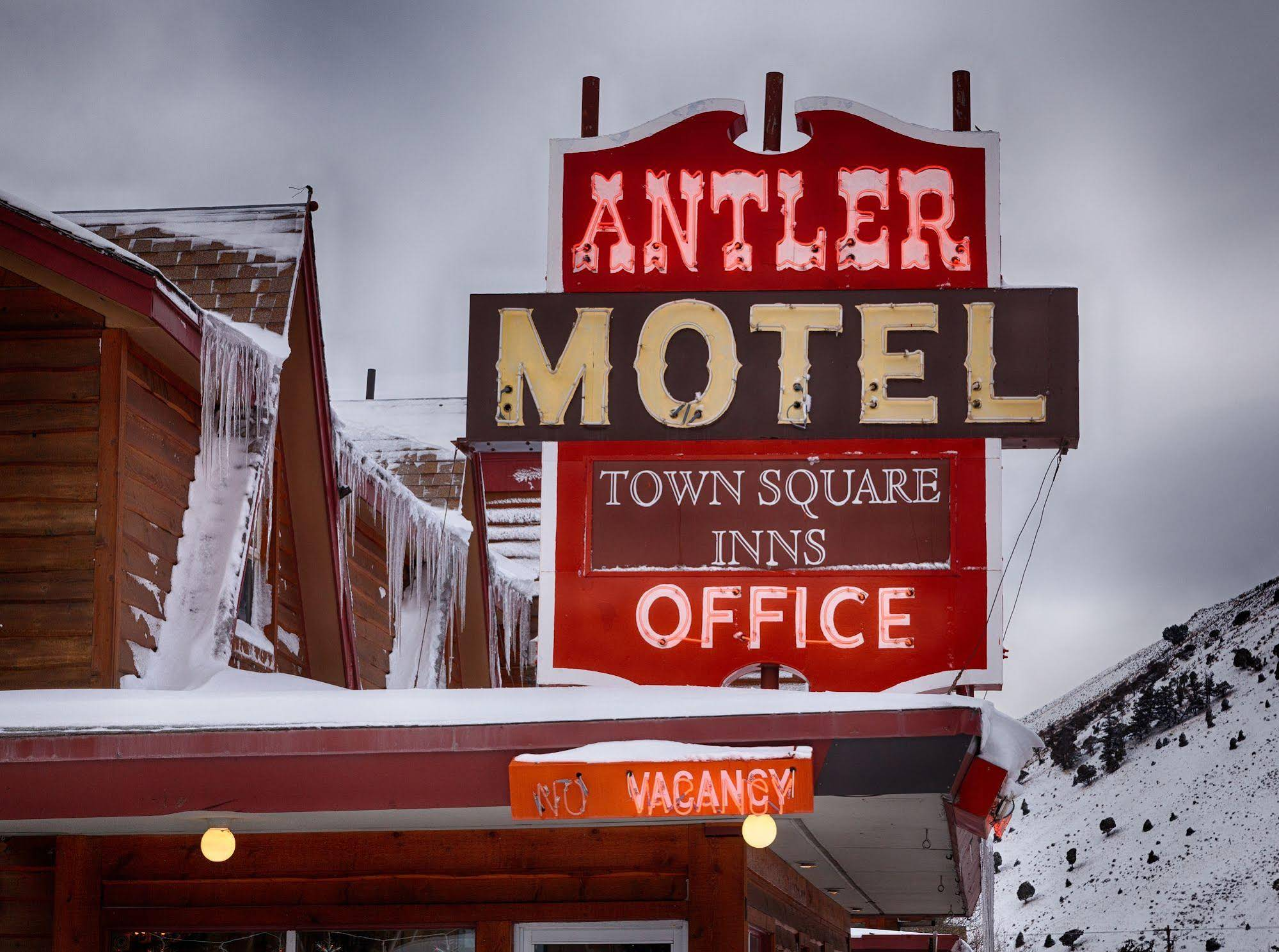 Gallery image of Antler Inn