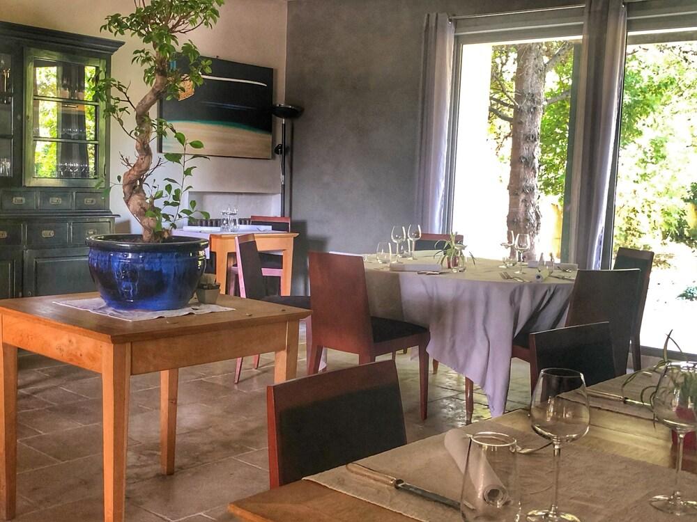 Gallery image of Le Pré du Moulin Maison Alonso Hôtel & Restaurant