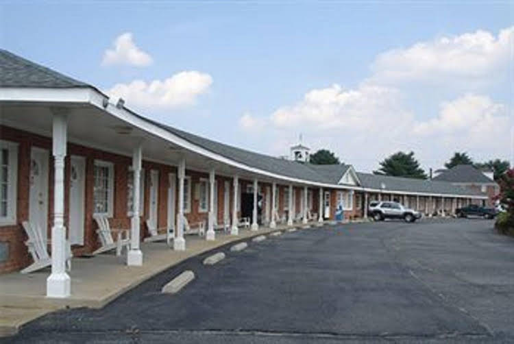 Gallery image of Washington & Lee Motel