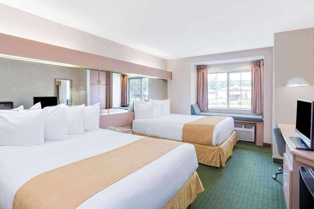 Gallery image of Microtel Inn by Wyndham Greensboro