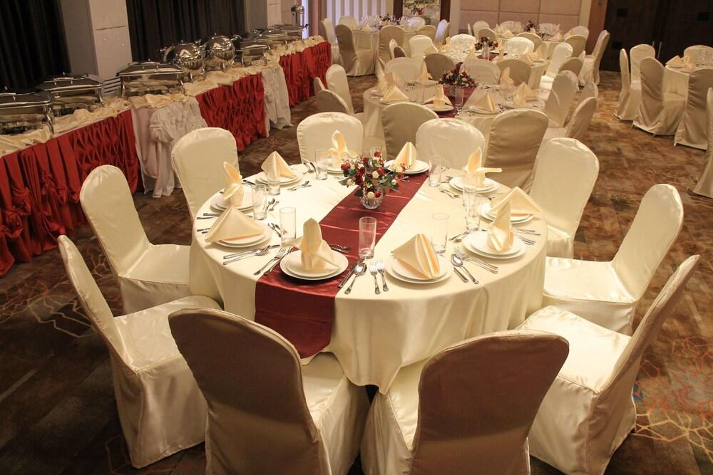 Gallery image of Savannah Resort Hotel