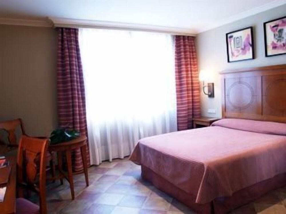 Gallery image of Pamplona Villava