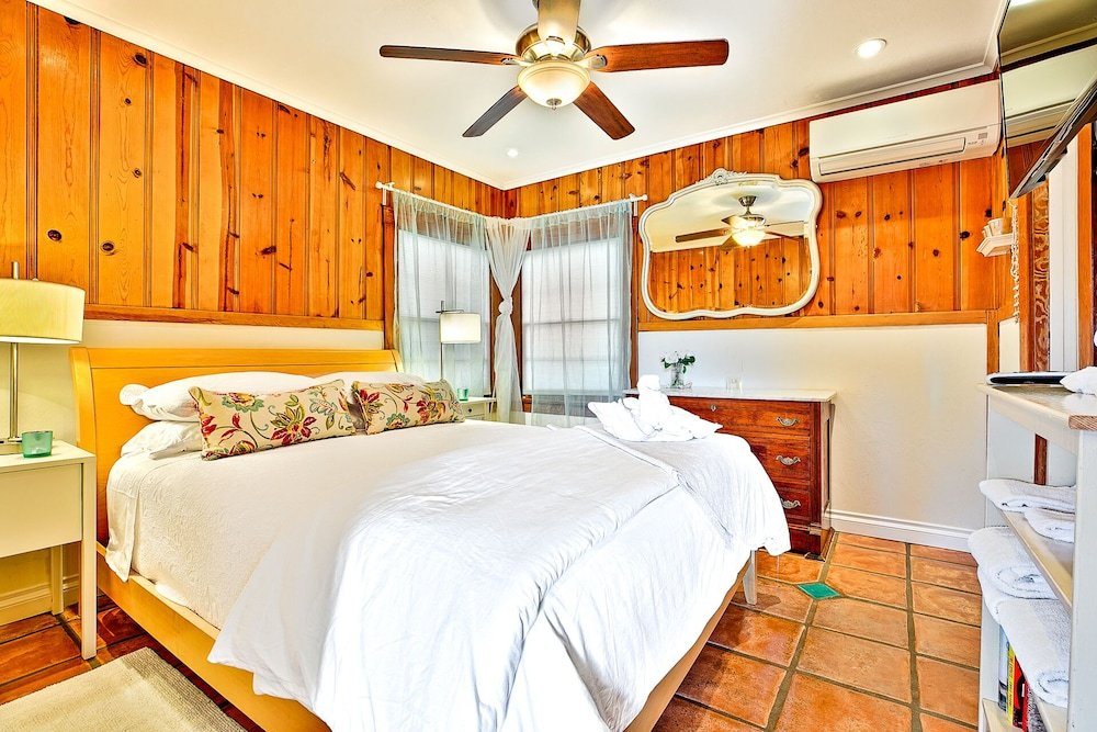 Ocean Palms 1 Br Cottage