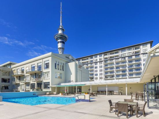 Zodiak's Auckland Centre with Pool and Gym