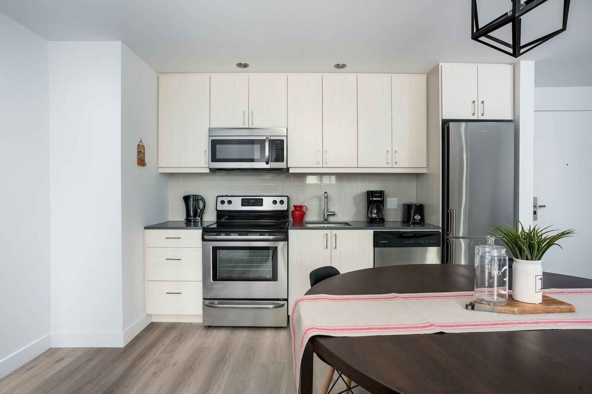 Vibrant 2Br In Old Montreal By Sonder