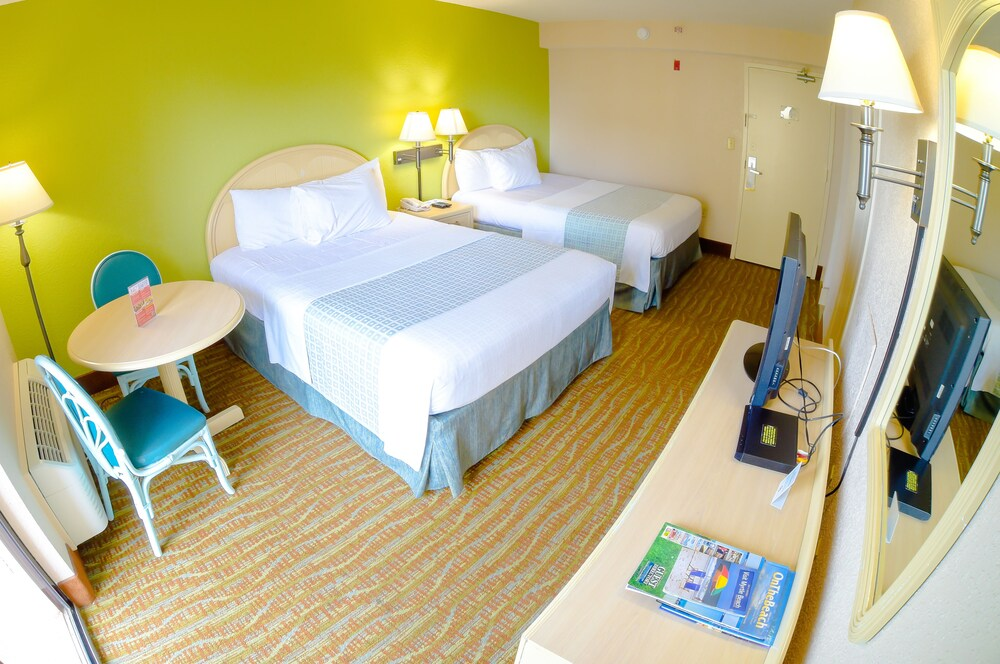 Gallery image of Sandcastle Oceanfront Resort at the Pavilion