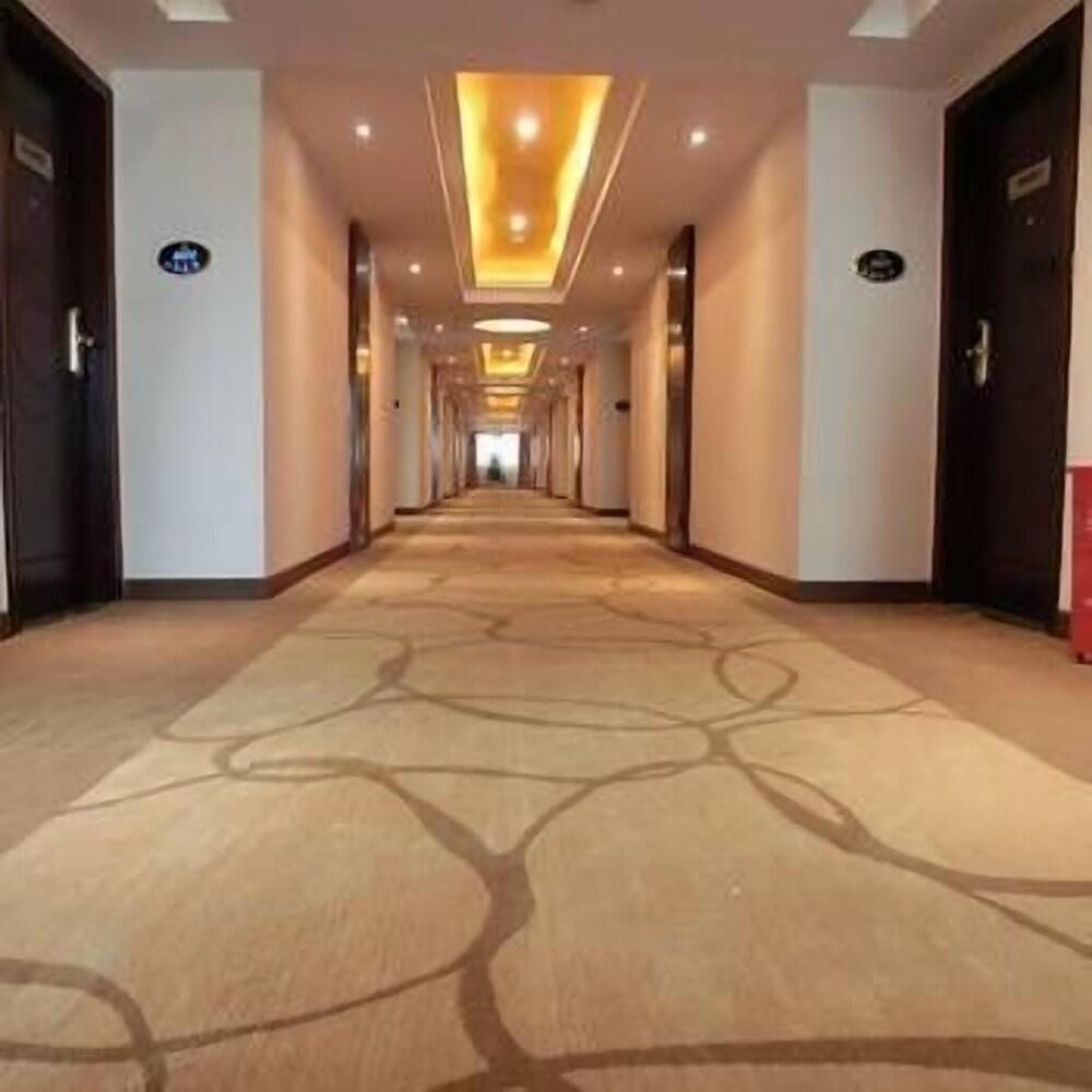 Shenggao Hotel