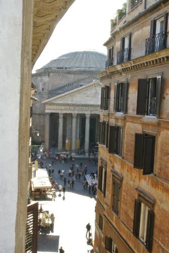 Pantheon Domus Valentino