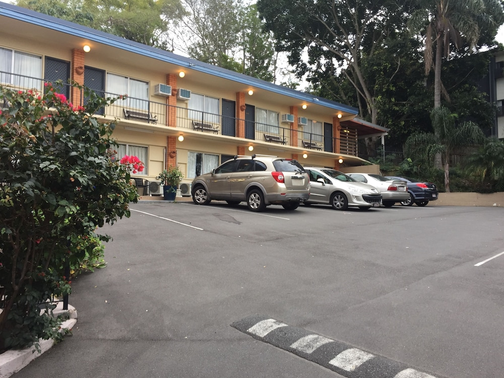 Ambassador Motor Inn