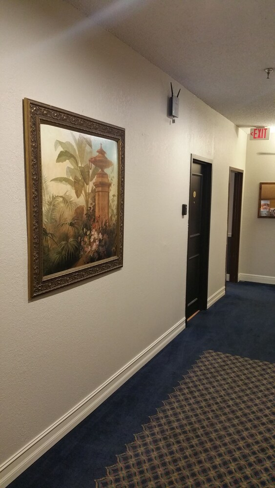 Gallery image of Hyde Park Hotel