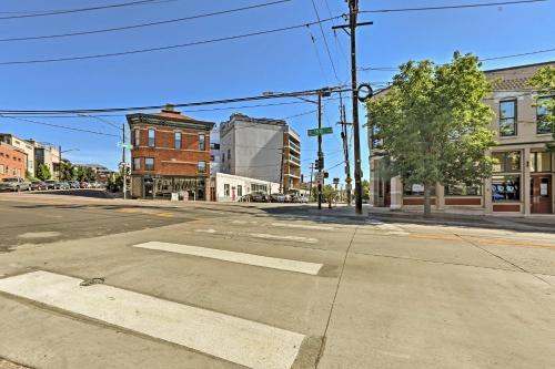 LoHi Apartment w Patio 1 Mile to Downtown Denver