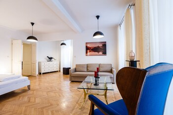Judengasse Premium Apartments In Your Vienna By Welcome2vienna (جودنگاس پرمیوم آپارتمنتس این یور وین بای ولكوم۲وینا) Living Area