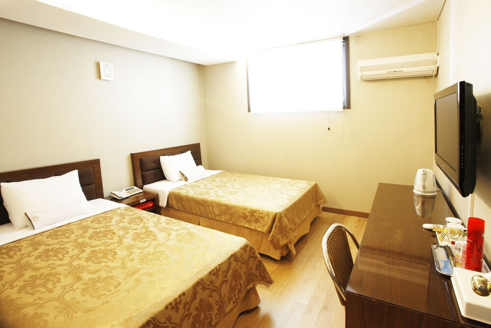 Gallery image of M.Biz Hotel