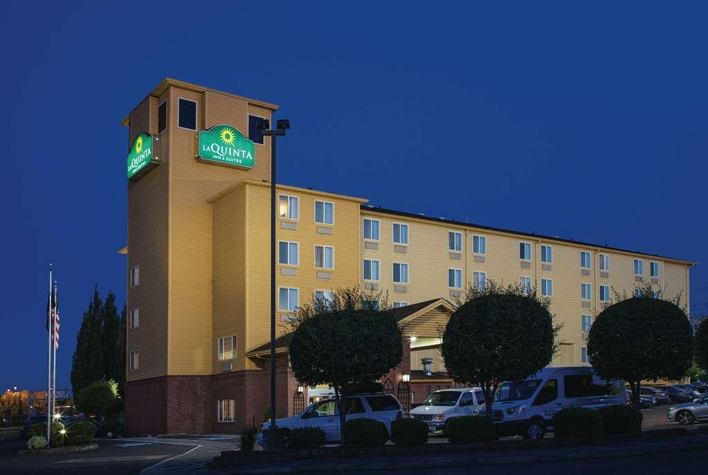 La Quinta Inn & Suites By Wyndham Portland Airport
