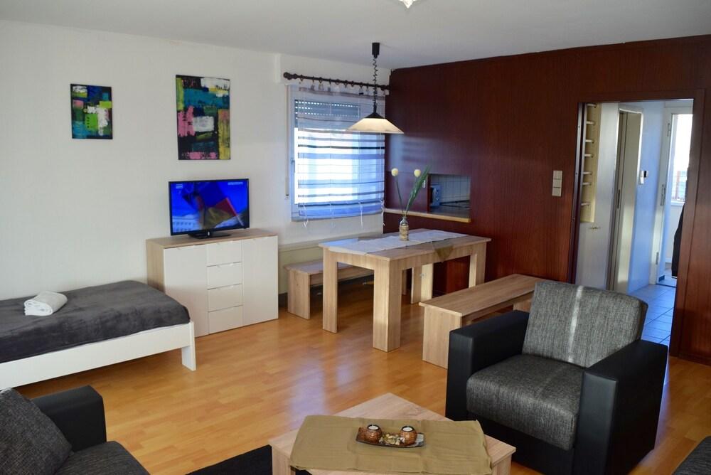 AB Apartment 64 Near Mercedes Benz Museum