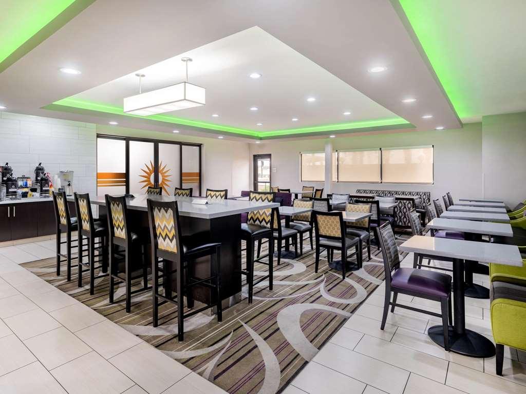 Gallery image of La Quinta Inn & Suites by Wyndham NW Tucson Marana