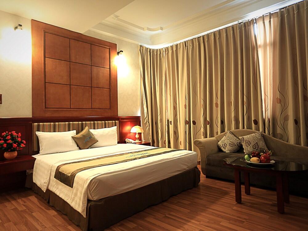 Moonview Hotel