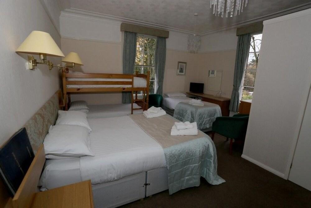 Gallery image of Beechwood Close Hotel