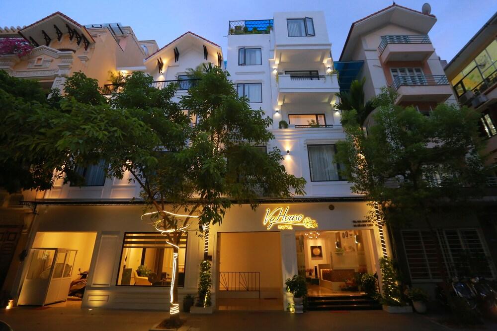 Vyhouse Hanoi Hotel