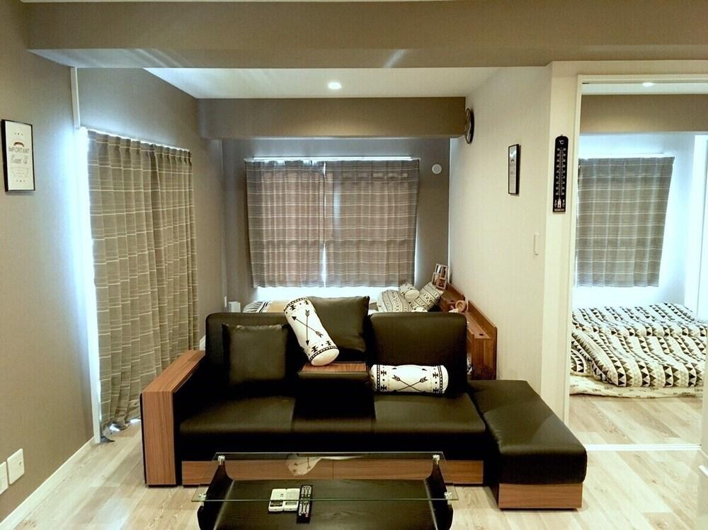 Plum Ark Oriental Hotel 402