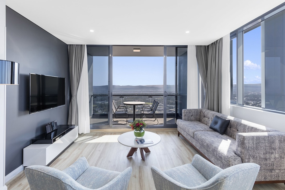 Meriton Suites Southport Gold Coast